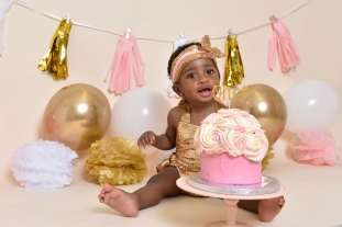 pink gold cake smash olufemiphotography